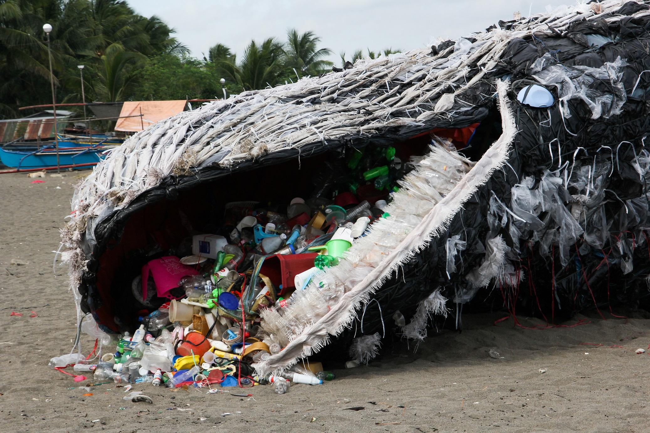 f233l eur243p225nyi műanyagszigetek 250sznak az 243ce225non 171 m233rce