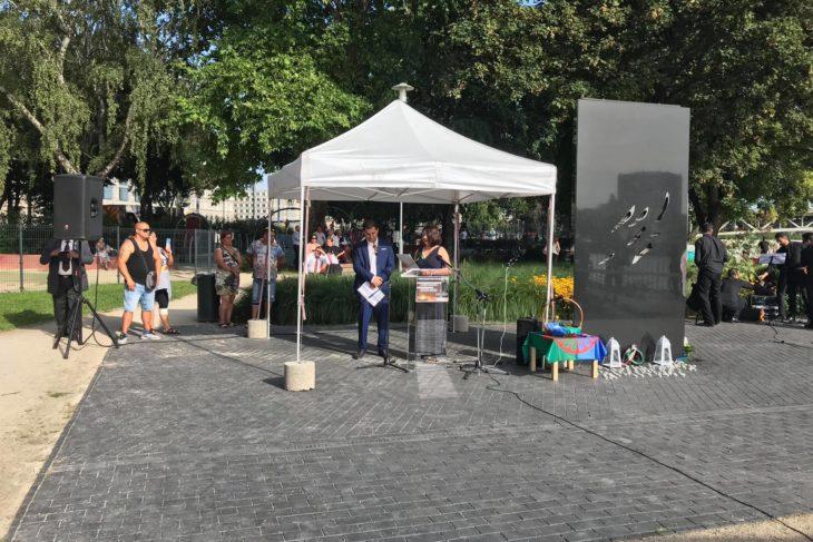roma holokauszt emlékmű megemlékezés