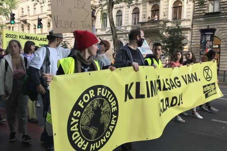 Klímaválságra hívja fel a figyelmet a Fridays For Future és az Extinction Rebellion